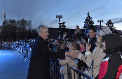 Сергей Собянин открыл сезон фонтанов на ВДНХ