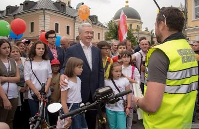 Мэр Москвы Сергей Собянин посетил мероприятия организованные по поводу открытия пешеходной зоны на Большой Ордынке