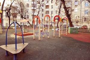 Двор на Люсиновской улице