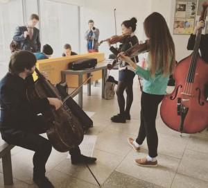 Участники проекта Музыка в метро