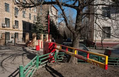 Шлагбаум на улице Лобачева в Даниловском районе