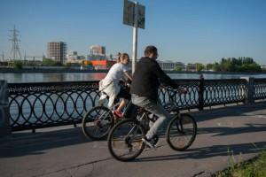 Велосипедисты в одном из районов ЮАО