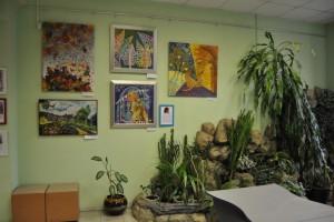 Рисунки жителей Даниловского района в библиотеке №163
