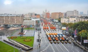 Первый парад городской техники в Москве установил сразу два рекорда