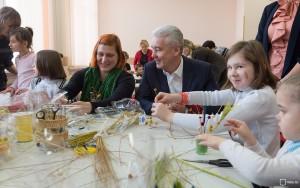 Число детей-сирот в московских интернатах сокращено вдвое за 6 лет - Собянин