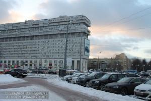 Площадь возле метро Тульская в Даниловском районе