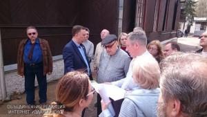 Советник мэра Москвы Владимир Ресин проверяет ход строительства храма в Бирюлево Западном