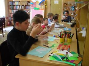 Ученики школы-интерната №79 на занятии в районной библиотеке