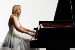Пианистка Валентина Лисица выступит в культурном центре ЗИЛ