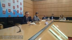 Руководитель Департамента развития новых технологий Владимир Жидкин на пресс-конференции