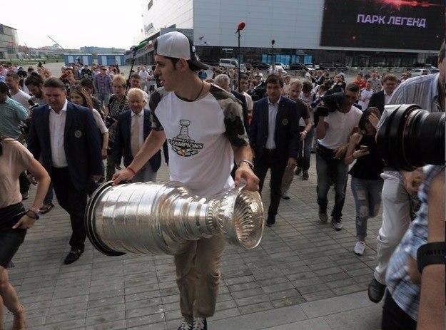 Кубок Стэнли выставят для болельщиков вМузее хоккея в российской столице 27июля