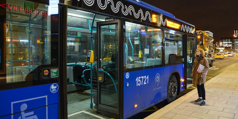 Наземный транспорт района будет работать ночью на Новый год и Рождество