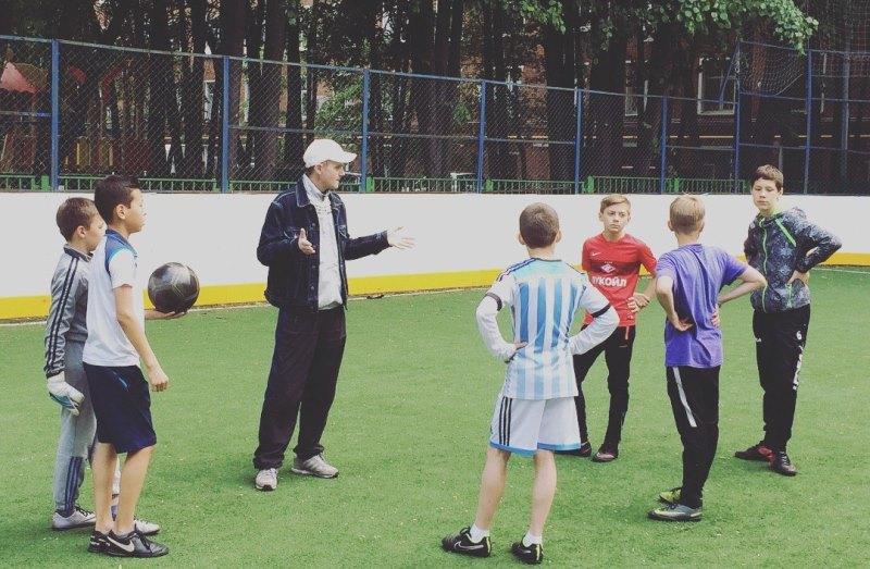 Виктор Ленберг рассказал о работе с детьми в Даниловском районе