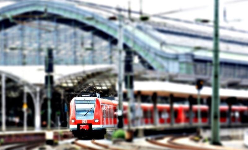 Льготный проезд в пригородных поездах вступил в силу для пенсионеров Москвы