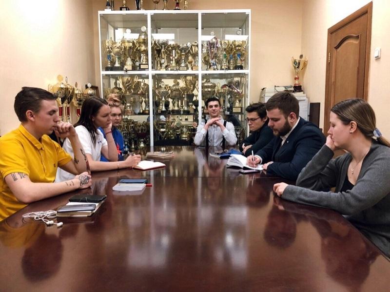 круглый стол молодежная палата