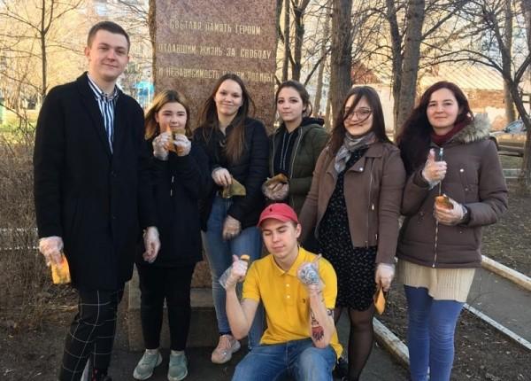 Молодежная палата уборка акция Ленберг