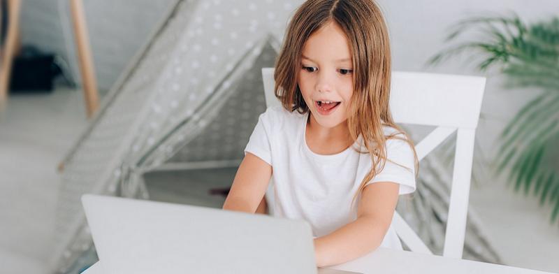 ребенок-онлайн-компьютер-интернет-мос-ру