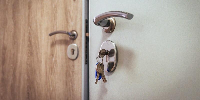 дверь-ключ-дом-квартира-реновация-мос-ру